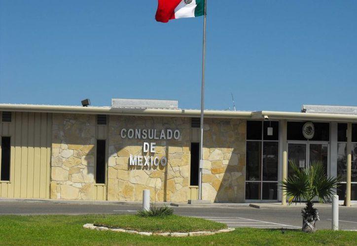 La red de consulados mexicanos en Estados Unidos contrató más personal para hacer frente a la ola de connacionales que solicitan documentación. La imagen corresponde a la sede diplomática de México en Eagle Pass, Texas. (consulmex.sre.gob.mx)