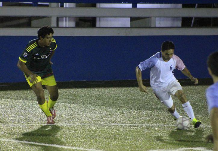 Deportivo Sánchez, Deportivo X y Cabrera FC, también ganaron sus respectivos encuentros y pasan a semifinales. (Miguel Maldonado/SIPSE)