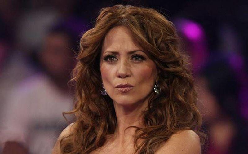 Andrea Legarreta Se Desnuda En Redes Sociales Grupo Sipse