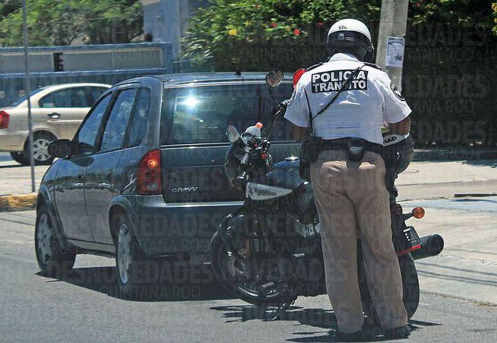 """Aseguran que los """"operativos"""" o """"cacería"""" por parte de Tránsito municipal están justificados. (Jesús Tijerina/SIPSE)"""