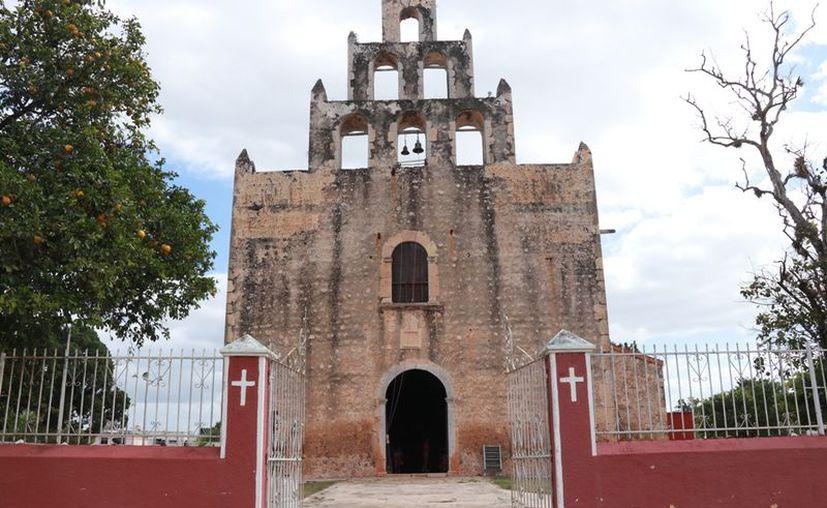 A las construcciones mayas y atractivos de la zona sur, se le suma la visita a la iglesia dedicada a la Virgen de la Asunción. (Foto: Jorge Acosta)