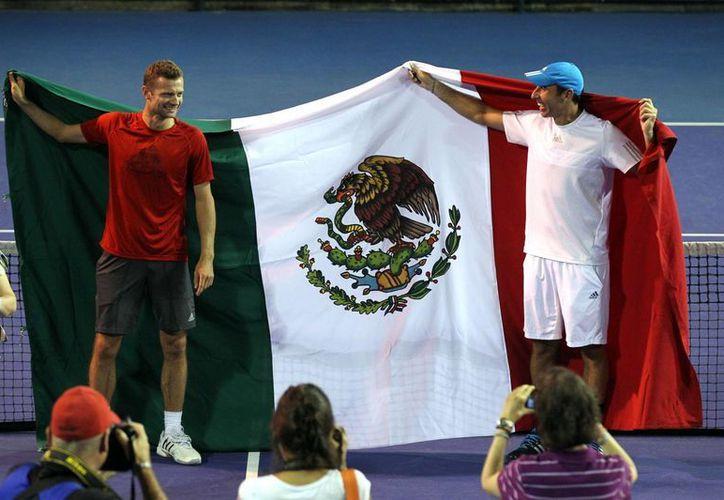 El tenista mexicano Santiago González y su compañero, Mariusz Fyrstenberg, ya conocen a sus rivales en Wimbledon; la dupla del kazajo Mikhail Kukushkin y el moldavo Radu Albot. (Notimex)