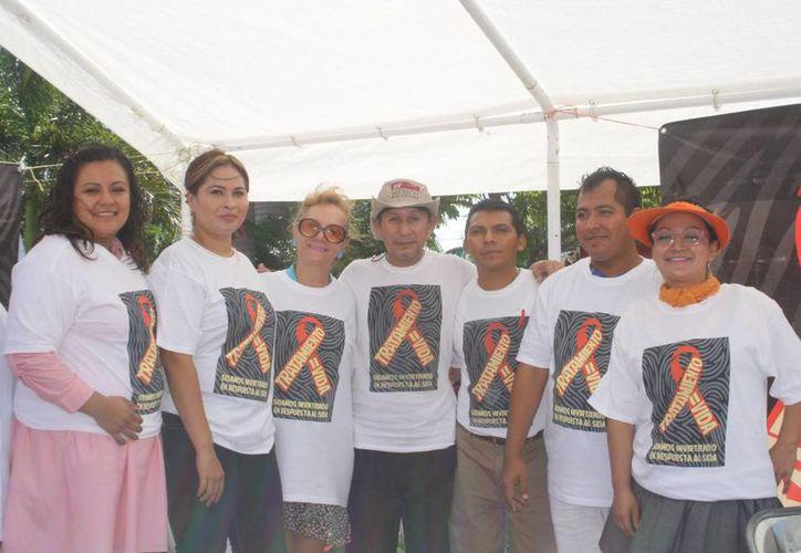El evento es organizado por el voluntariado de la Cruz Roja y la organización civil AHF. (Octavio Martínez/SIPSE)