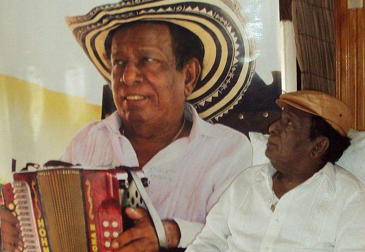 Falleció Calixto Ochoa, cantautor colombiano de vallenato, cuya música era de las favoritas del escritor Gabriel García Márquez. (elespectador.com)