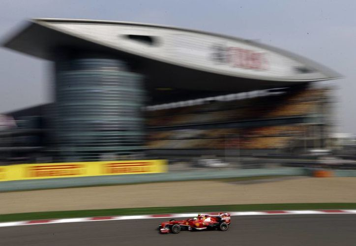 El desempeño de Massa en el ensayo previo al Gran Premio de China fue elogiado por su equipo. (Agencias)