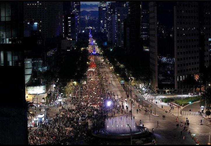 Miles de estudiantes normalistas exigieron la aparición de sus 43 compañeros. (Twitter.com/@patriciarmax)