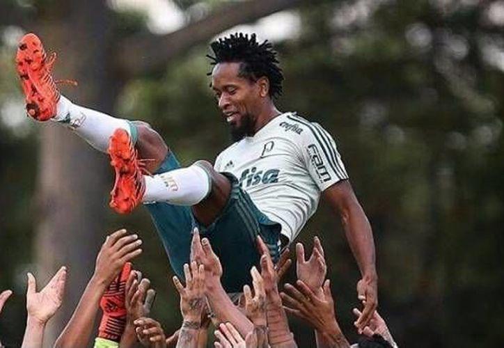 Hace unos días, Zé Roberto jugó su último partido como futbolista profesional. (Foto propiedad de: @ZR11OFFICIAL)