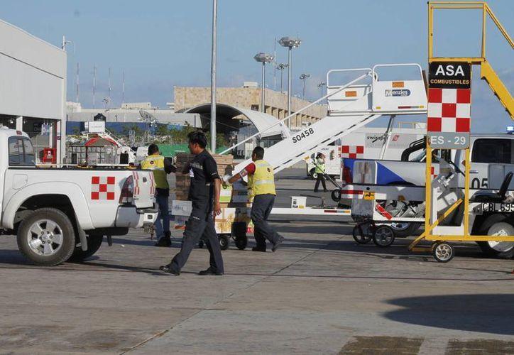 Los aeropuertos y puertos de Quintana Roo han detenido la entrada de un millón 200 maletas al Estado. (Tomás Álvarez/SIPSE)