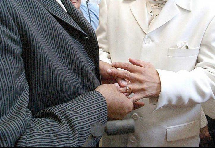 El matrimonio homosexual celebra  legalidad en  Estados Unidos desde hace 10 años,(EFE archivo).