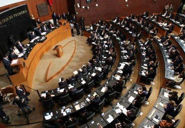 El pleno de la Cámara de Senadores exhortó a la Consami a buscar un salario digno para los mexicanos. (Internet)