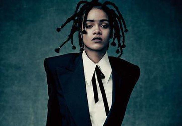 La cantante Rihanna estrena nueva imagen para promocionar su más reciente álbum 'ANTI'. (Foto tomada de Facebook oficial de Rihanna)