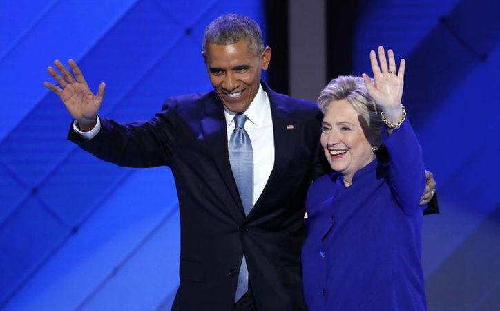 Analistas indican que nunca habían visto a otro presidente tan involucrado en una campaña electoral, como lo está Obama con la candidatura de Hillary Clinton. (AP/J. Scott Applewhite)