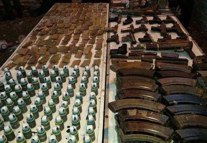 Entre los objetos decomisados por el Ejército en Coahuila había  98 explosivos y 3 lanzagranadas. (Milenio)
