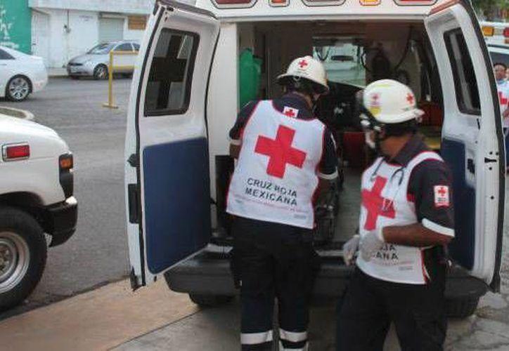 Elementos de la Cruz Roja atendieron a los lesionados. (Archivo/SIPSE)