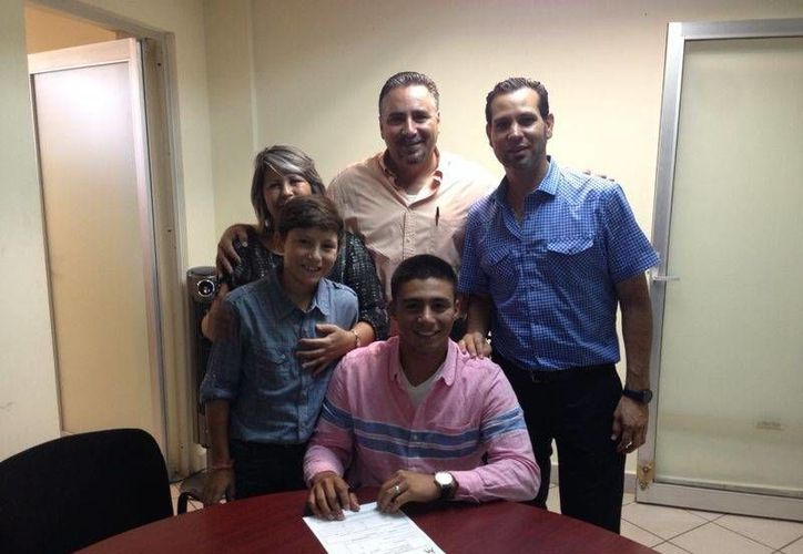 El catcher y tercera base, Sebastián Lizárraga, firmó para unirse a las filas de Miami. (Redacción/SIPSE)