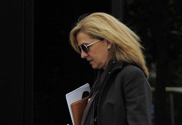 Los supuestos delitos que se le atribuyen a varios miembros de la Familia Real de España han dañado sobre todo la reputación del Rey Juan Carlos. En la foto, su hija, la infanta Cristina. (Agencias)
