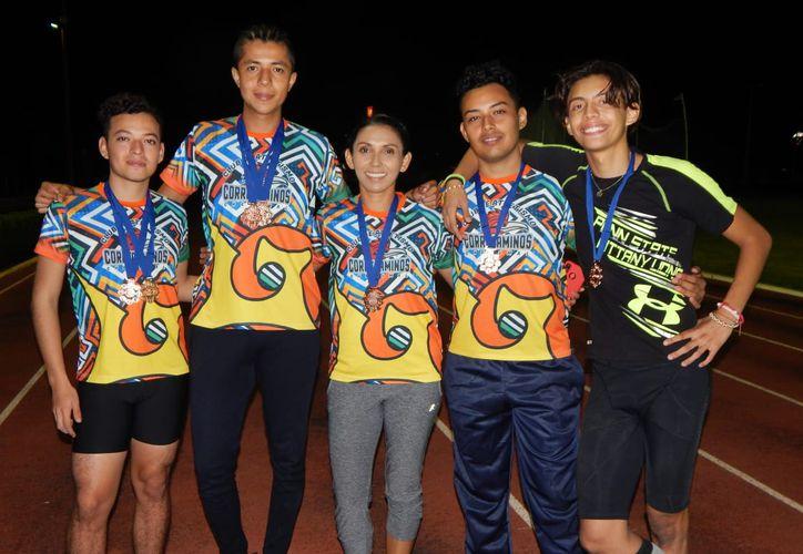 Los jóvenes destacaron en el Campeonato Invernal de Pista y Campo. (Miguel Maldonado/SIPSE)