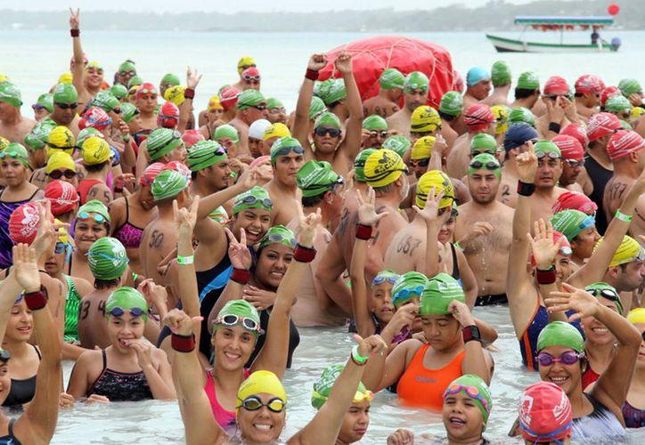 Autoridades de la Federación Mexicana de Natación, aseguran que Bacalar es un escenario natural impresionante para la competencia. (Foto: Contexto)