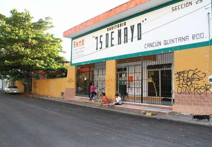 Los maestros solicitarán al sindicato asambleas. (Tomás Álvarez/SIPSE)