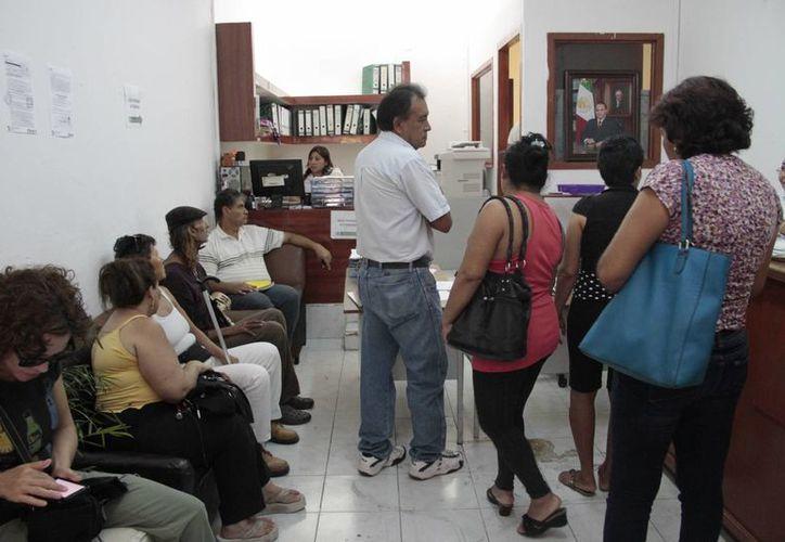 La dirección de Comercio en la Vía Pública informó que en junio se completará la credencialización. (Tomás Álvarez/SIPSE)