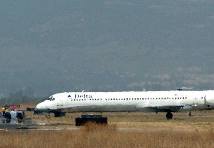 Tras el aterrizaje en Atlanta, el avión fue remolcado hasta la zona de desembarque; no se registraron heridos. Imagen de contexto de (archivo/EFE)