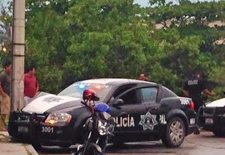 La patrulla de la Policía Municipal de Progreso que chocó uno de los policías que fueron dados de baja por actos de corrupción. (Óscar Pérez/SIPSE)