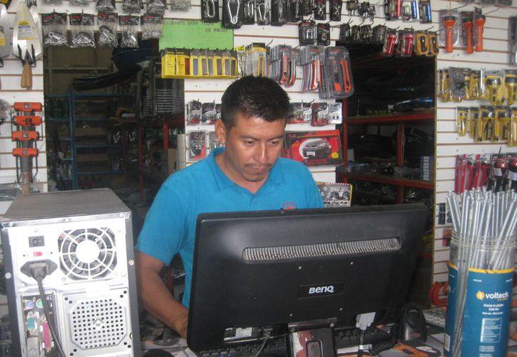 Microempresarios de Bacalar han solicitado apoyo para obtener apoyos que les permitan mantenerse en la compentencia comercial. (Javier Ortiz/SIPSE)
