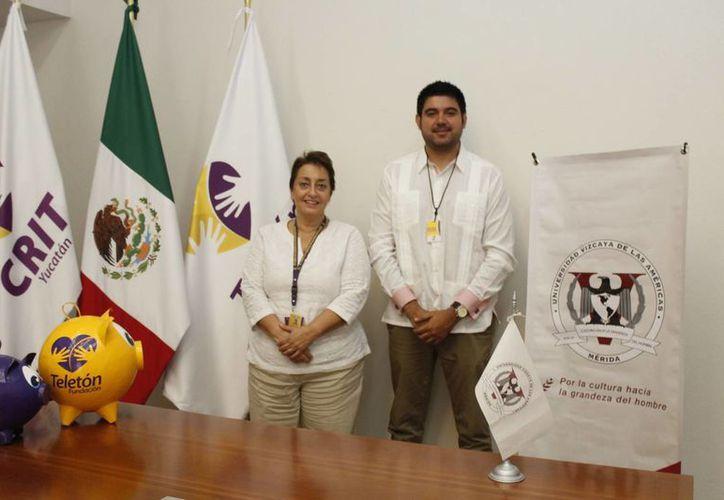 Dolores Sánchez de Rojas, directora del CRIT Yucatán, y el director general de la UVA José de Jesús Palafox Quintero. (Foto: Milenio Novedades)