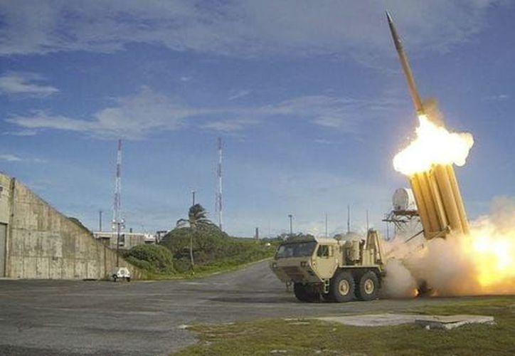 El misil fue interceptado al suroeste de Riad horas antes de la llegada de Donald Trump. (Infobae)