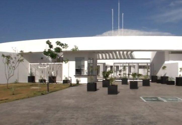 En la Escuela de Estudios Superiores (ENES) de la UNAM en Mérida se llevarán a cabo diversas actividades con motivo de la Feria del Libro y la Rosa. (Archivo/Sipse)