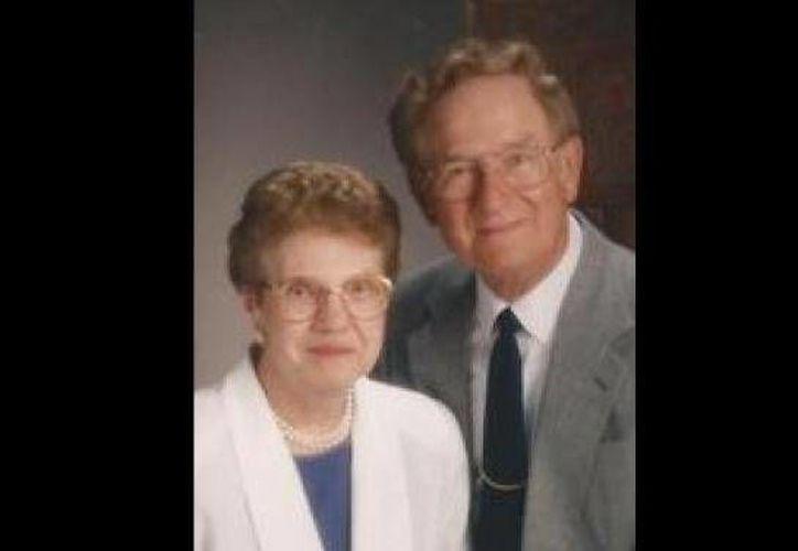 Harold J. Knapke, de 91 años, y su esposa Ruth, de 89, fallecieron el pasado 11 de agosto. (elpais.com.uy)