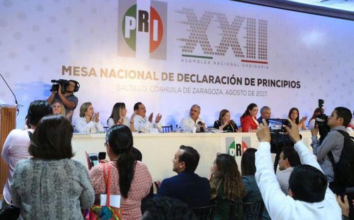 Los delegados del Partido Revolucionario Institucional (PRI) consideraron que esa propuesta es abrir la puerta a la división interna. (Animal Político)