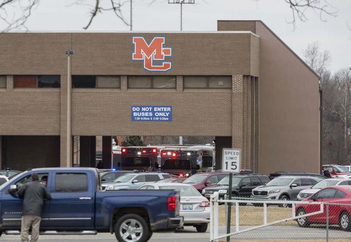 Dos jóvenes muertos dejó el tiroteo en una escuela de Estados Unidos. (AP)