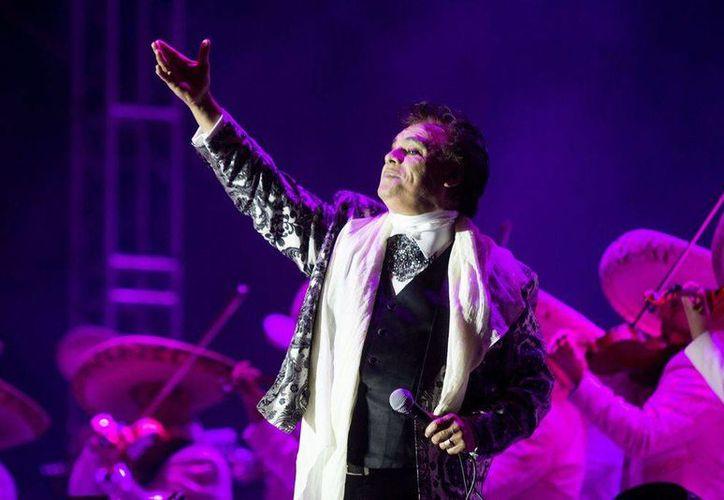 El show en honor a Juan Gabriel en el Foro Pegaso de la ciudad de Toluca, el 18 de febrero de 2017, será el primero oficial de una serie de presentaciones que se realizarán en México y en el extranjero. (Foto de archivo tomada de elsiglodetorreon.com.mx)