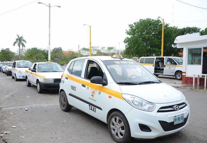 El Sindicato Único de Choferes de Automóviles de Alquiler planteará una suspensión temporal en la entrega de concesiones. (Gerardo Amaro/SIPSE)