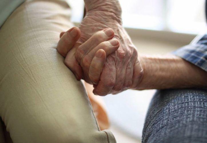 Los servicios médicos gratuitos y obligatorios para los adultos mayores en EU, disminuyó el turismo médico en Tijuana. (Internet)