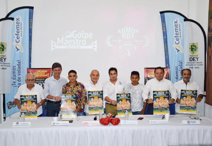 Autoridad deportivas y organizadores de la velada boxística del próximo 20 de julio(Foto:Novedades Yucatán)