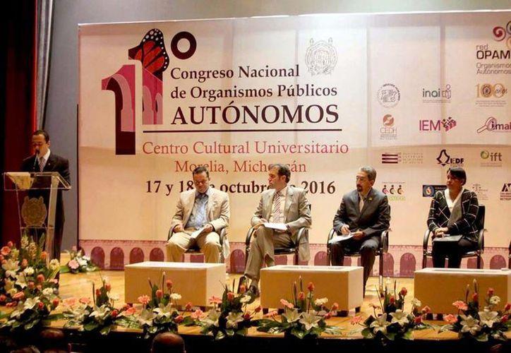 El titular del INE visitó Morelia para participar en el Onceavo Congreso Nacional de Organismos Públicos Autónomos. (Facebook/Instituto Nacional Electoral)