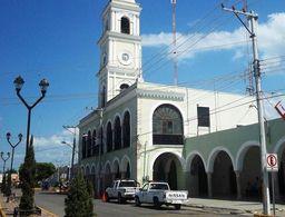 Con vaquerías, alcaldes yucatecos asumen cargo desde este viernes