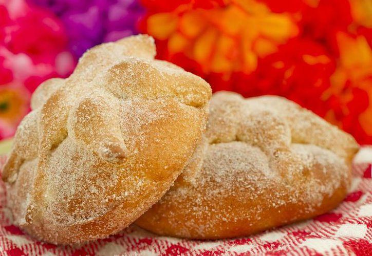 El pan de muerto aumenta sus ventas en los meses de octubre y noviembre, meses en los que comienzan las celebraciones a los muertos.(Notimex)