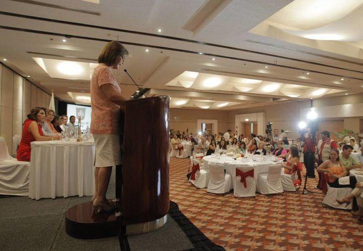 Asociación Mexicana de Mujeres Empresarias durante su evento. (Víctor Ruiz/SIPSE)