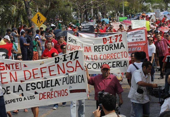 En la megamarcha se espera la participación de maestros de otros municipios. (Jesús Tijerina/SIPSE)