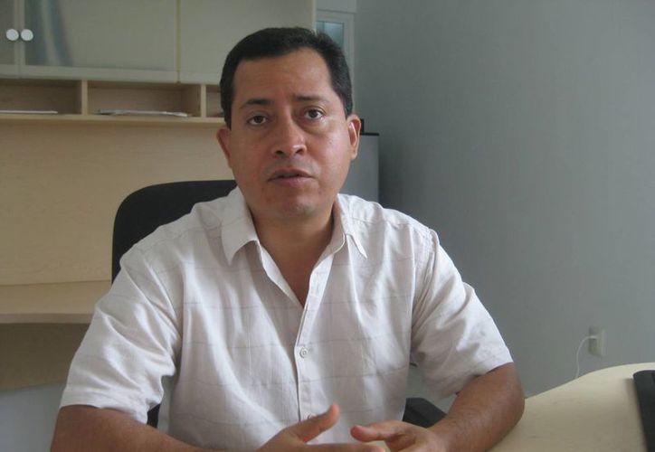 Guillermo Hinojosa Mendoza, director del Hospital Integral de Bacalar. (Javier Ortiz/SIPSE)