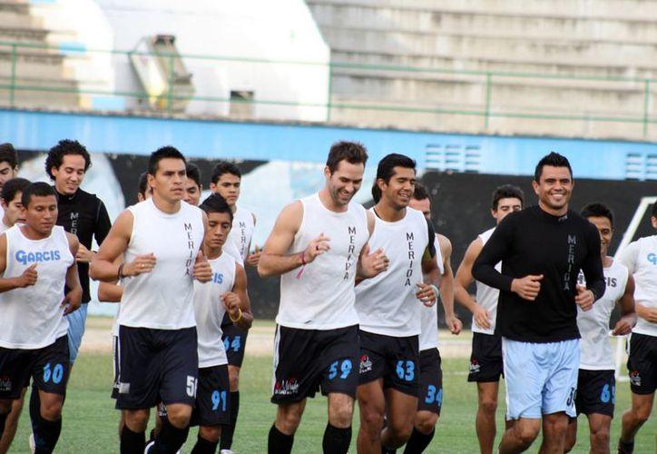 Aún no se define cuánto tiempo estarían a prueba los nuevos talentos del CF Mérida. (SIPSE)