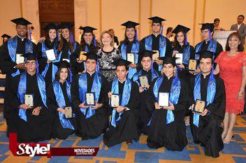 Graduación de estudiantes del Colegio Monteverde