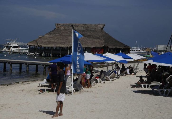 Cancún cuenta con el atractivo de sol y playa. (Israel Leal/SIPSE)