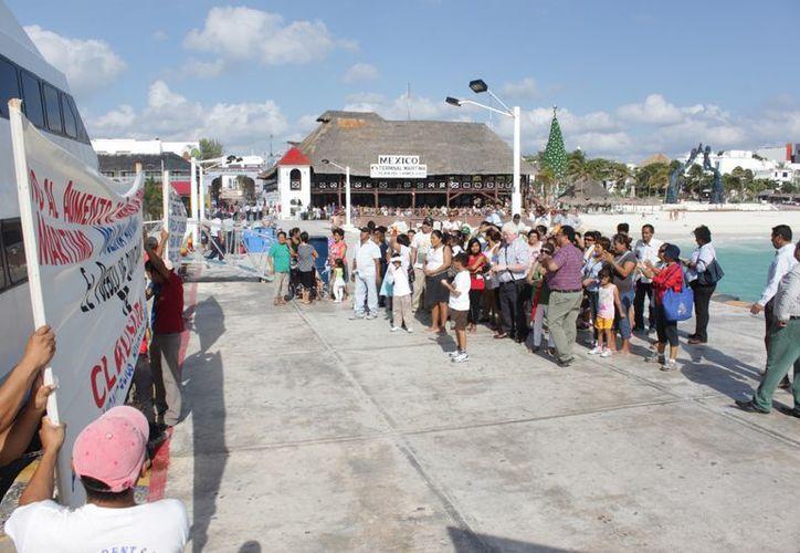 La protesta se realizó en el muelle Navega. (Adrián Barreto/SIPSE)
