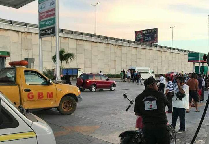 Elementos de la policía municipal cerraron el acceso e iniciaron un operativo de búsqueda de los presuntos responsables. (Foto: SIPSE)