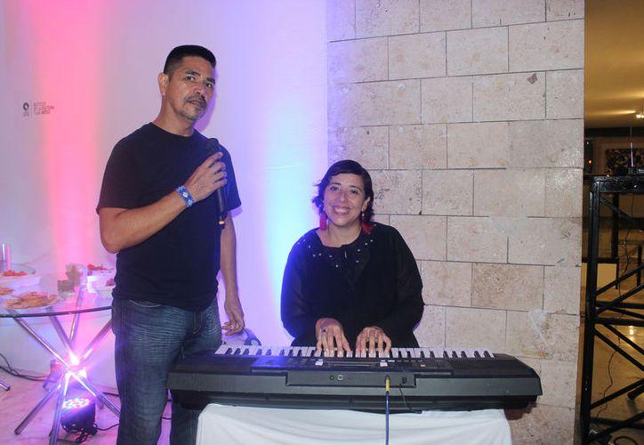 La pianista concertista Nadia Arce Moreno y el cantante Eduardo Hidalgo García, ofrecerán el próximo viernes 31 de agosto un concierto. (Foto: Faride Cetina/SIPSE)