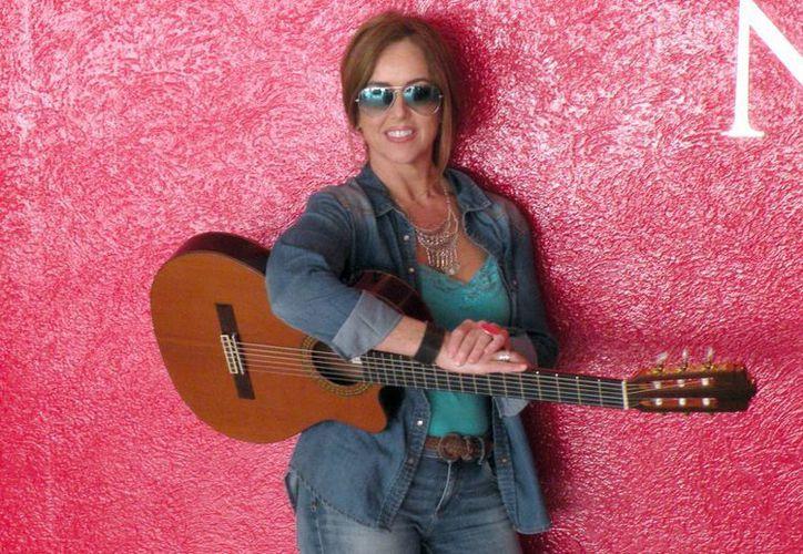 El nuevo disco de la cantante se encuentra disponible en todas las plataformas digitales. En la foto, Sheila durante su visita a las instalaciones de MILENIO NOVEDADES. (Milenio Novedades)